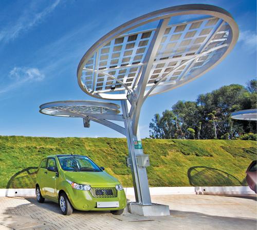 Mahindra Reva solar charging