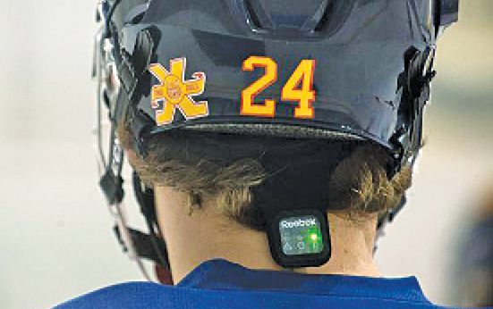 A player wearing Reebok Checklight, a skullcap with sensors to monitor head impacts during play(Image courtesy: thechronicleherald.ca)