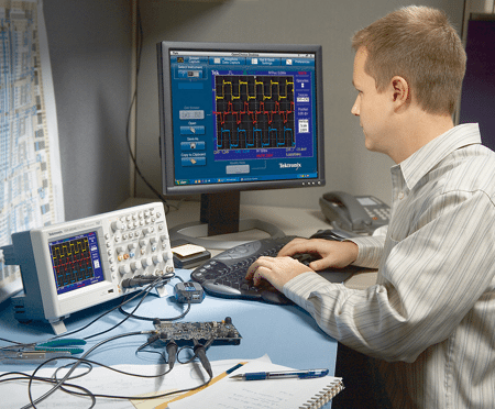 Tektronix TDS 2024B osilloscope connected to network