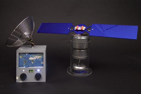 B7F_twoway_communication_satellite