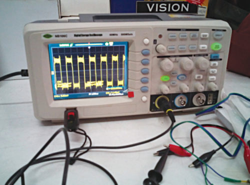 DSO used to observe output of the signal generator from Android app