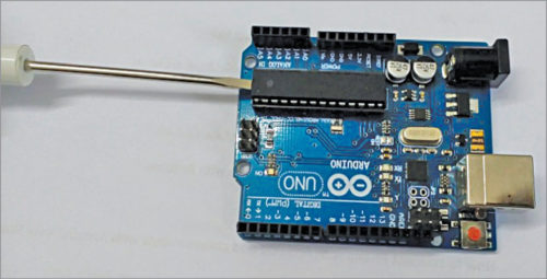 Removing ATmega328 IC from the board