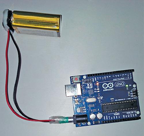 Arduino board powered from a DIY 9V battery adaptor