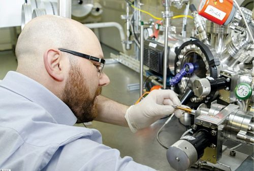 A scientist conducting research on diamond battery technology at H3AT (Source: UKAEA)