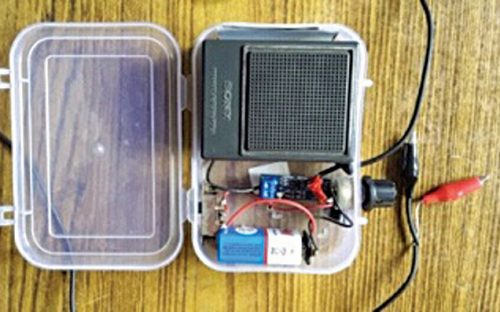 Author's prototype for Crystal Radio in a box with speaker and battery